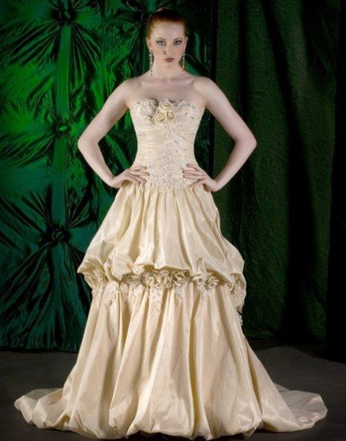 gold_wedding_dressmanolo